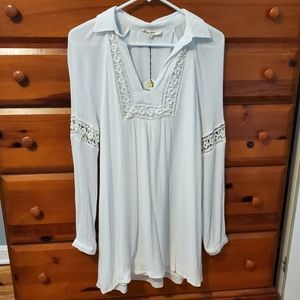 Vintage-looking white dress